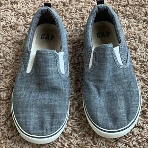 GAP Chambray slide on shoes